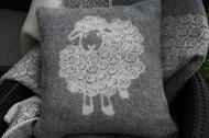 Wollen kussen met schapendessin, grijs/wolwit